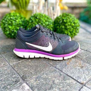 🏃🏼♀️🔥 Nike Womens Flex Run Sneakers SZ 7.5